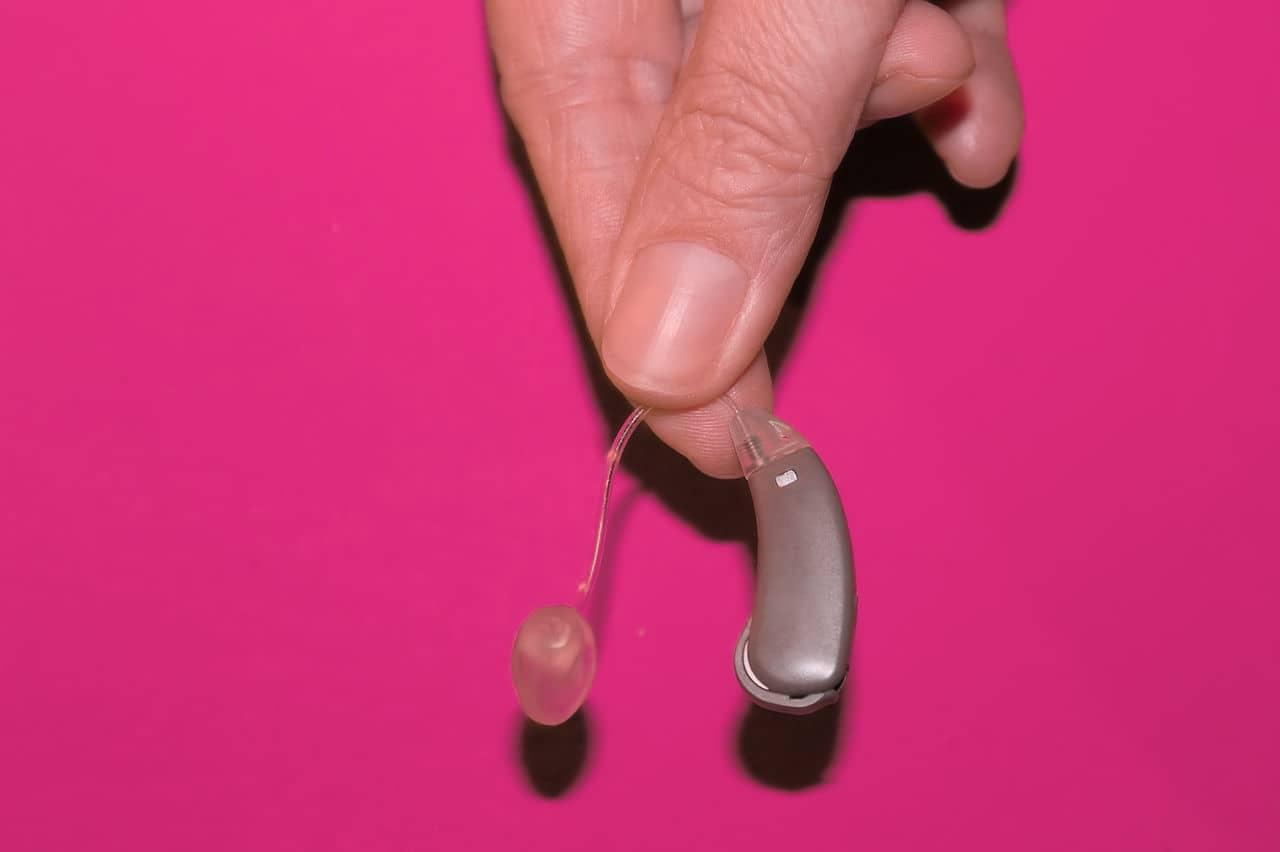 dispositivo discapacidad auditiva